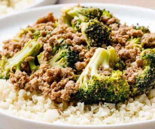 Easy 5 Ingredient Paleo Ground Beef Stir Fry With Cauliflower Rice Recipe In 2020 Ground Beef Paleo Recipes Paleo Grubs Paleo Ground Beef