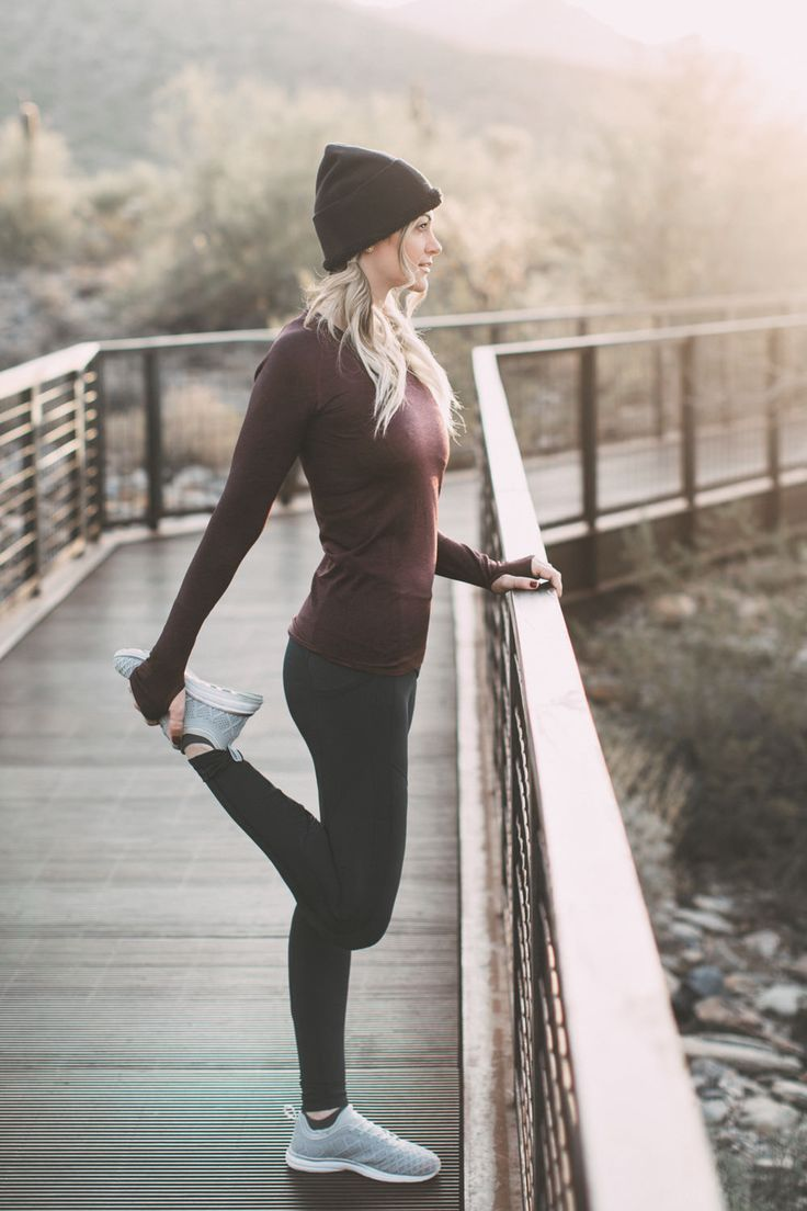 Holiday gift ideas for the health nut and fitness guru from Lululemon by Dash of Darling.