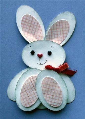 Conillet fet amb ous de cartolina.