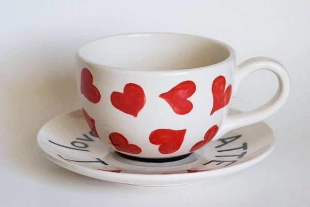 Love You A Latte - Red Heart Latte Mug And Saucer Set - Black, White ...