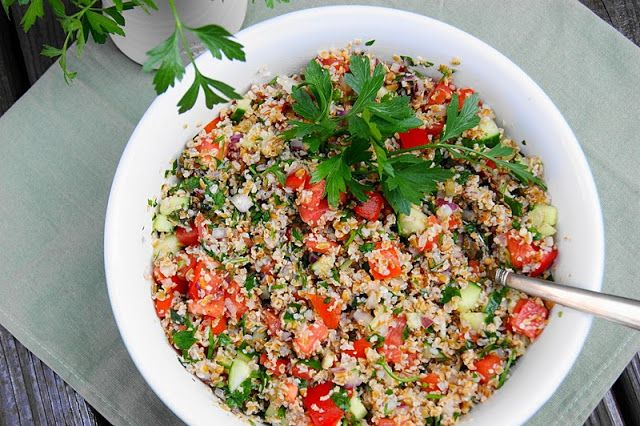 Classic Tabouli Salad ... also great with pita chips or crackers as a healthy dip. www.thekitchenismyplayground.com