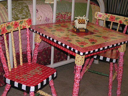 Painted table and chairs27 best Hand Painted Table   Chairs images on Pinterest   Funky  . Hand Painted Dining Table And Chairs. Home Design Ideas