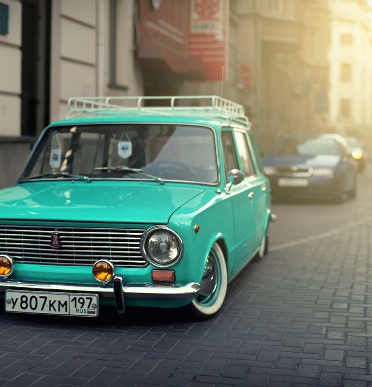 Этот ВАЗ-2102 «Аквамарин» его автор выполнил в стиле resto Сal   Фото