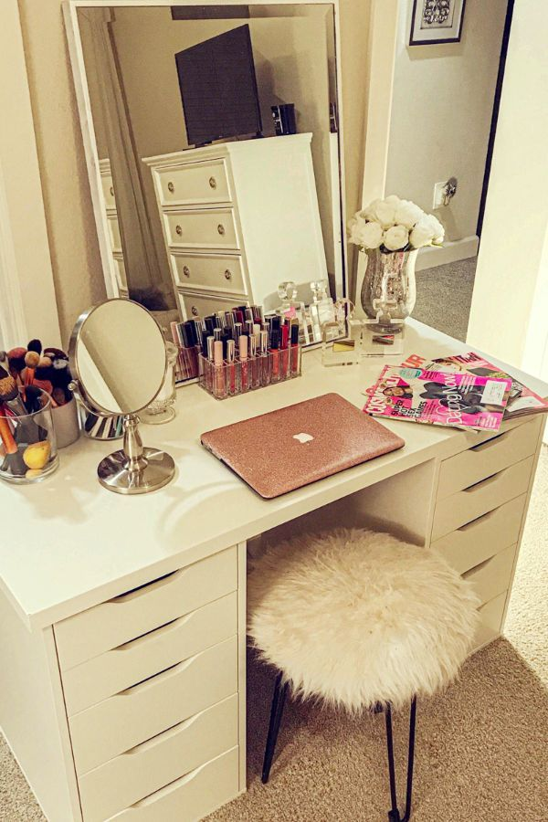 52 Cool Bedroom Makeup Desk Design Ideas For You Page 26 Of 52 Ladiesways Com Women Hairstyles Blog Makeup Room Decor Awesome Bedrooms Beauty Room