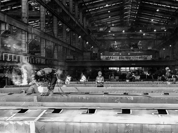 """Mi piace"": 673, commenti: 8 - @saracphoto su Instagram: ""Steel workers in the shipyard"""