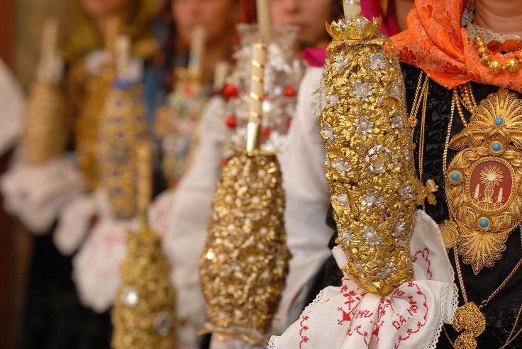 Traditional pageantry ornaments : Viana do Castelo.