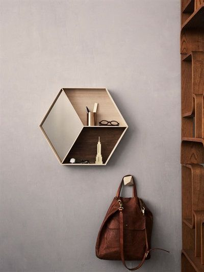 WALL WONDER MIRROR WITH SHELVES