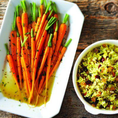 Les carottes gagnent beaucoup de saveur à cuire dans du beurre au cognac. Accompagnement excellent de presque tous les plats, de la dinde farcie aux côtelettes de veau. Garnir généreusement de coriandre fraîche ou d'oignons verts hachés.
