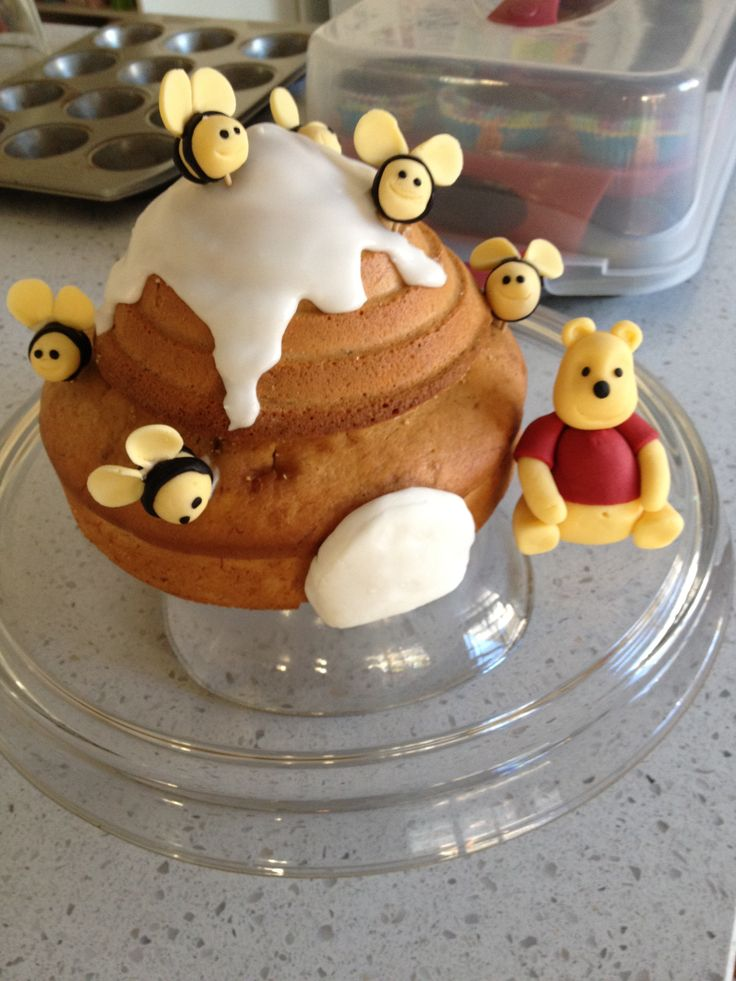 #winniethepooh #cake #beehive #madebyme #poohbear #1st Birthday #beehive #bees #honey #fun