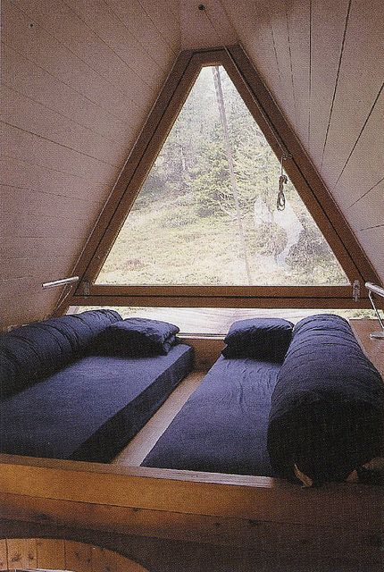 Zen space // triangle window // chill escape