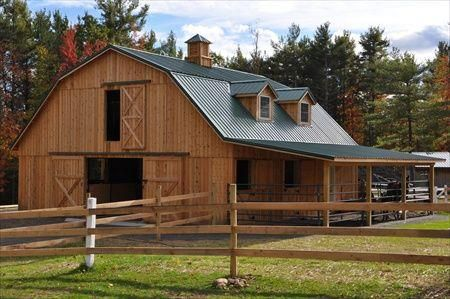 Gambrel roof barn with apartment woodworking projects for Gambrel pole barn plans