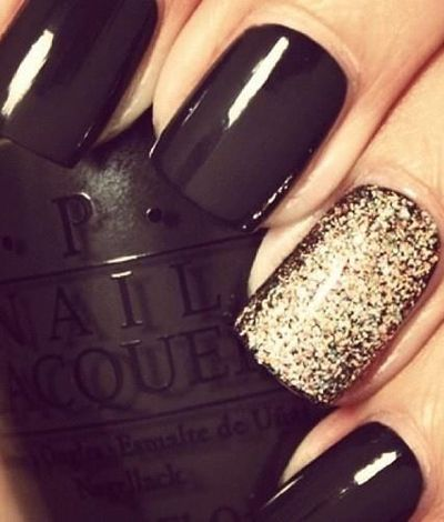 34 Festive Holiday Manicures That Aren't Hideously Tacky (perfect for new years!)