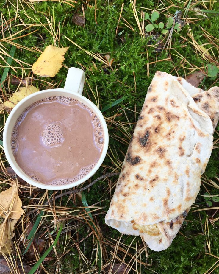 """Innan jag la om min kost till glutenfritt så hade jag en gränslös och destruktiv kärlekshistoria med vår svenska brödkultur, jag var en så kallad """"mackoman"""". Till frukost kunde jag utan…"""
