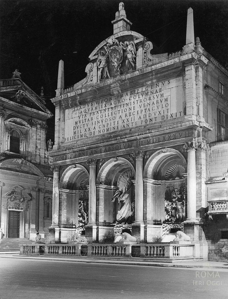 Largo di Santa Susanna (1939) Mostra dell'Acqua Felice o Fontana del Mosè di notte. :)