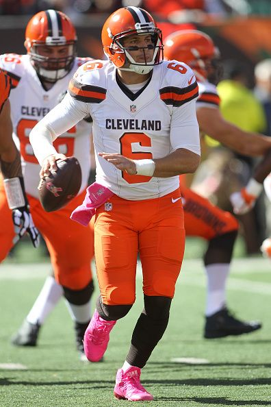 Browns vs. Bengals:     October 23, 2016  -  31-17, Bengals  -      Cody Kessler #6 of the Cleveland Browns scrambles with the ball while looking to throw a pass during the first quarter of the game against the Cincinnati Bengals at Paul Brown Stadium on October 23, 2016 in Cincinnati, Ohio. (Photo by John Grieshop/Getty Images)