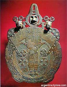 Cultura La Aguada - Disco de bronce - 600-1000 D.C.Lafone Quevedo  Argentina
