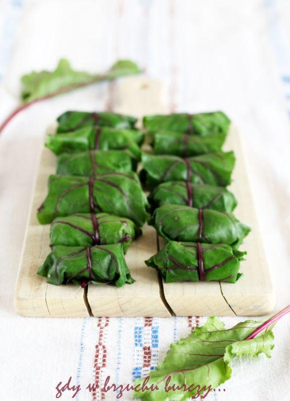Gołąbki w liściach botwinki