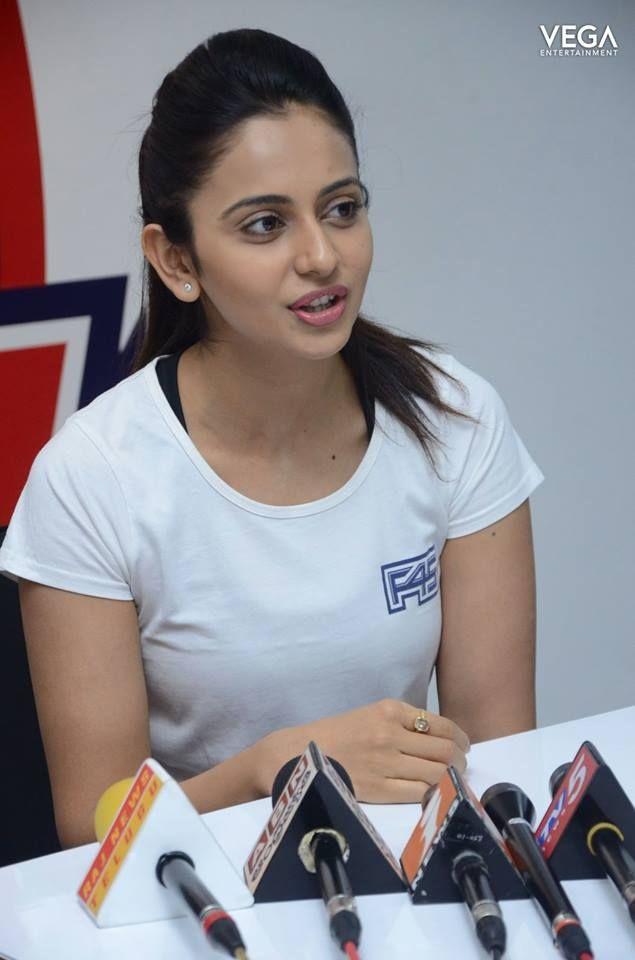 #SainaNehwal Launches #RakulPreetSingh's F45 Gym @ Kokapet #Vega #Entertainment #vegaentertainment