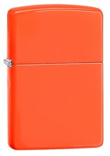 Get a model that's nearly impossible to lose with this Neon Orange classic windproof lighter. Comes packaged in an environmentally friendly gift box. For optimal performance, use with Zippo premium lighter fluid.