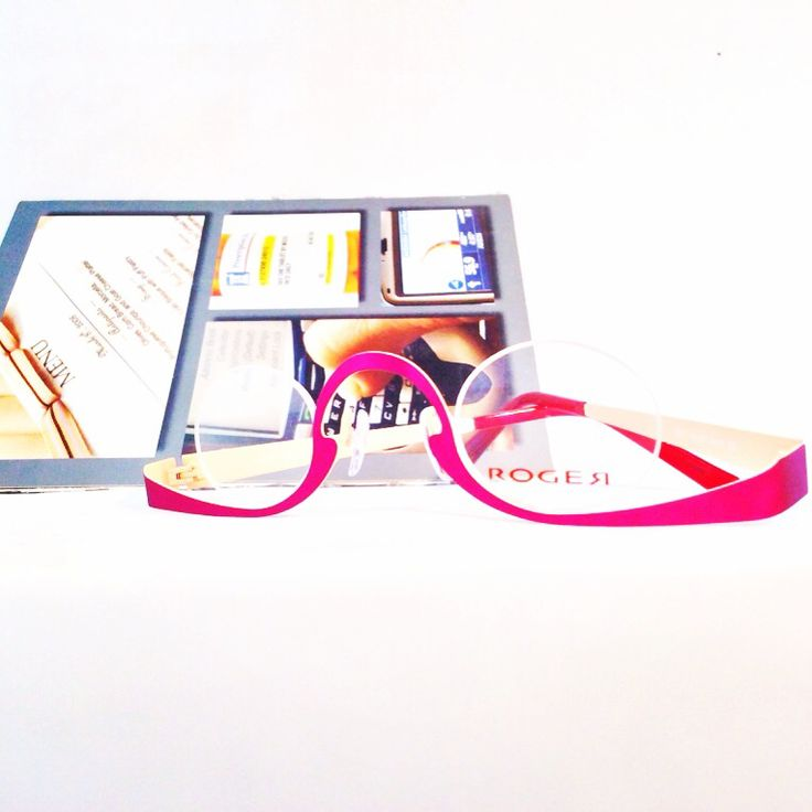 Looking for a cool pair of readers? Look no further #roger eyewear