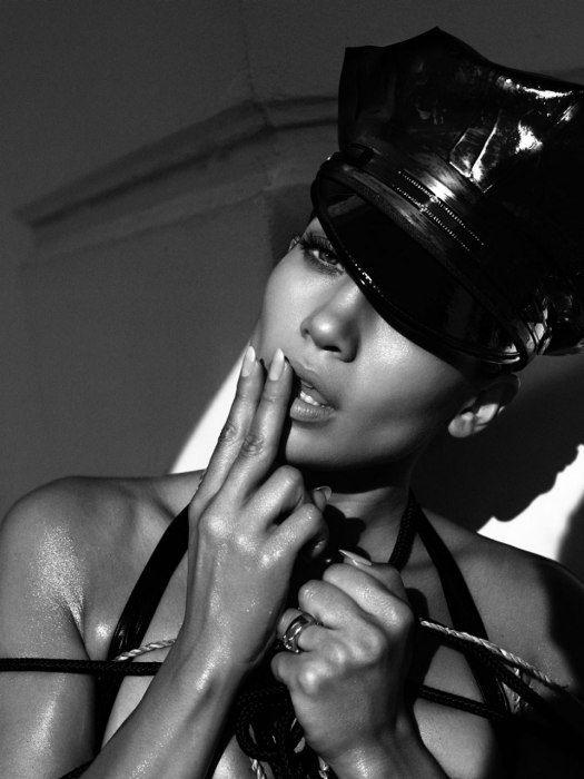 Hot-n-Stunning Jennifer Lopez