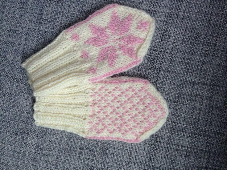 Selbuvotter, mittens, baby, restegarn, sandnesgarn baby ull, oppskrift: http://martii.blogg.no/1349168429_oppskrift_p_babyselbu.html