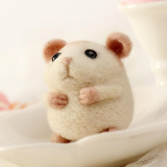 Hey, I found this really awesome Etsy listing at https://www.etsy.com/listing/215033638/hamster-with-mobile-phone-chain-wool