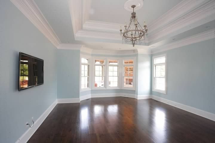 Huge Bedroom With Gleaming Wood Floors Double Tray