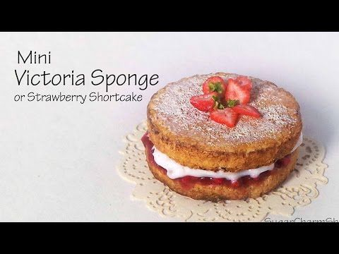 Victoria Sponge / Strawberry Shortcake - Polymer Clay Tutorial - YouTube - This amazing miniatute was created by Sugarcharmshop.