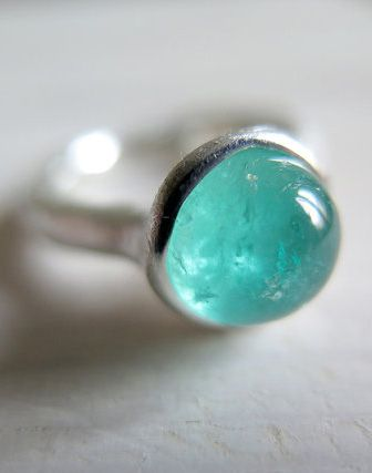 EMERALD // Sterling silver ring with natural Emerald