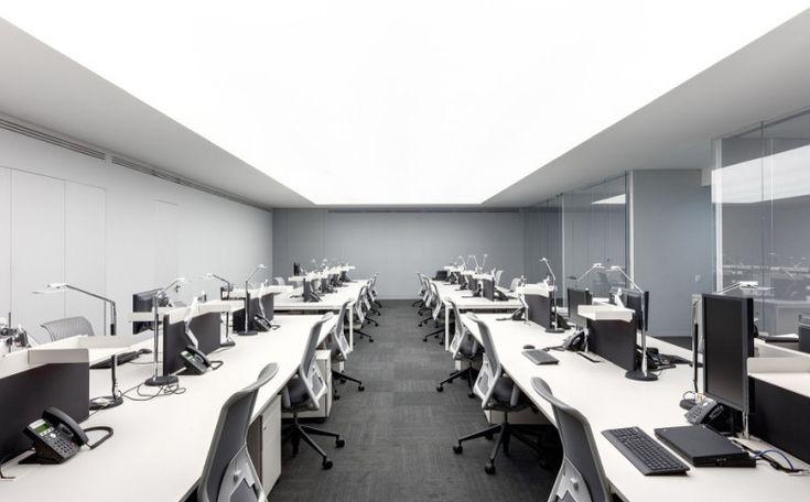 современное освещение в офисе