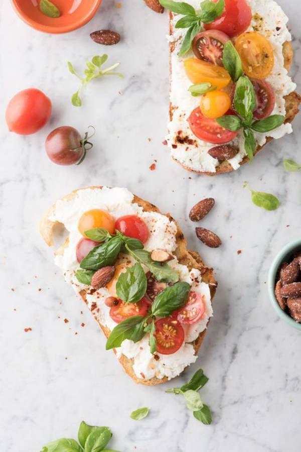 Tartine salée tomate ricotta basilic