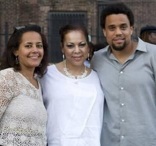 Does michael ealy have a brother