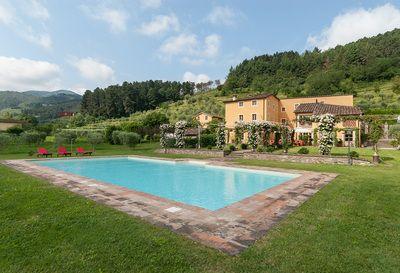 Capodanno  in Versilia in  villa di lusso con piscina. http://www.affittareintoscana.it/Dimore-di-Lusso-in-Toscana/Lucca-e-dintorni/Offerte-vacanze-in-Versilia-villa-di-lusso-con-piscina-991/