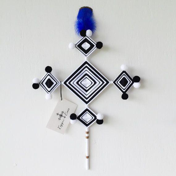 Croix de mur Athènes par CopperandCross sur Etsy