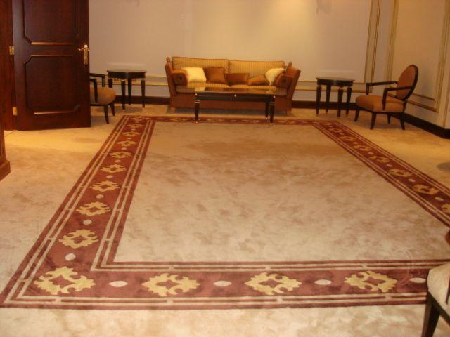 Our Works On Handtufted Carpets 100 New Zealand Wool On Any Design You Imagine We Make It For You We Are In Dubai Along Sheikh Z Carpet Design Carpet Design