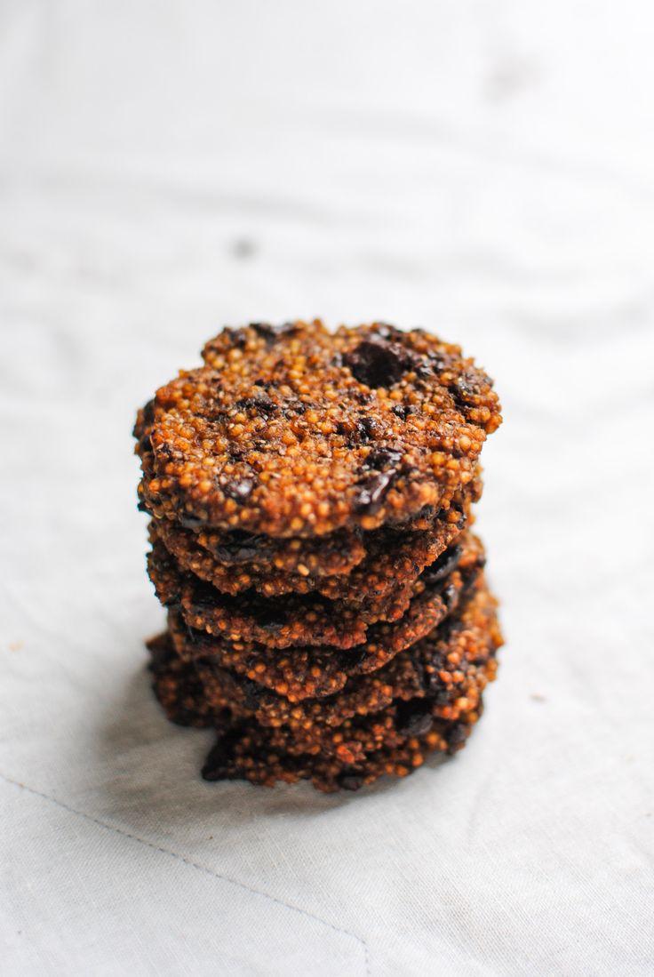 bolachas de millet, chocolate e spirulina | millet, chocolate and spirulina cookies