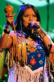 Lila Downs, maestra de la voz, la musica de Oaxaca, y una buena persona, tambien!
