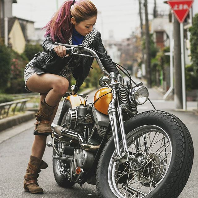 #mulpix @shizuka.0926 on her bad ass 66 shovel head all the way from Japan 😸 Photo by the ever talented @_jaymac_ 👍👍 Much respect ✊✌ CHOP ON ✊ ✊   #chopperunion  #chopper  #chop  #chopperlife  #choppershit  #hardcorechopper  #bobber  #kustom  #motorcycle  #forevertwowheelsftw