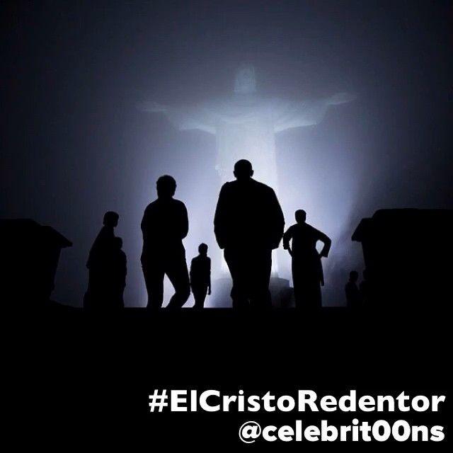 """""""#ElCristoRedentor o Cristo de Corcovado es una estatua de 38 metros, con el pedestal de 8 metros, de Jesús de Nazaret con los brazos abiertos mostrando a…"""""""