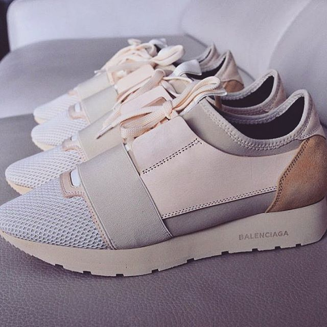 best 20 balenciaga shoes ideas on pinterest balenciaga trainers balenciaga sneakers and. Black Bedroom Furniture Sets. Home Design Ideas