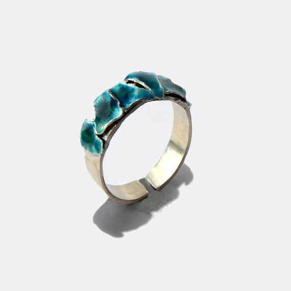 Cyan triangular-shaped petals enamel ring by JRajtar on Etsy