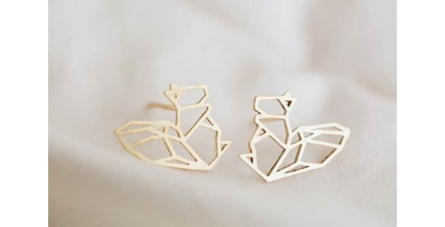 Collares y gargantillas - Conjunto collar pendientes origami ardilla dorada - hecho a mano por yourlittlecraftshop en DaWanda