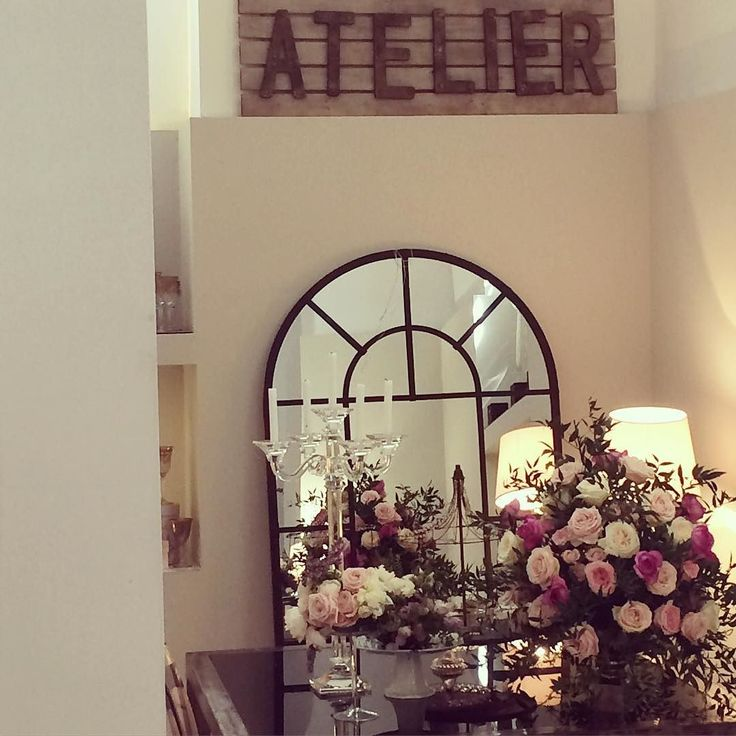Waiting to speak in front of a new class of future designers in #Rome. What a stunning location...@lebonheur thanks to @paolafantozzi @federicaambrosini  #luxuryweddings #weddingdecors #formazione #weddingacademy #Elisamoccievents