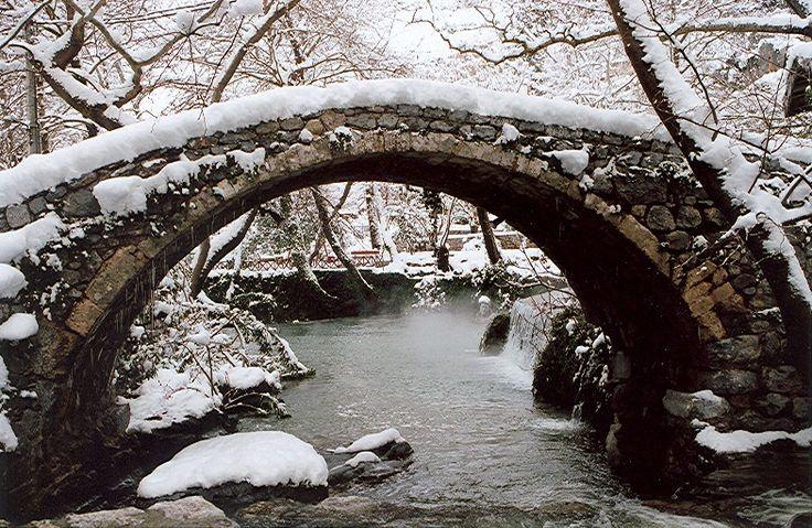 SNOWY ERKYNA - Levadia, Viotia