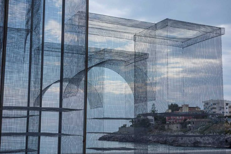 'Incipit' Wire Mesh Sculpture by Edoardo Tresoldi | http://www.yellowtrace.com.au/incipit-wire-mesh-sculpture/
