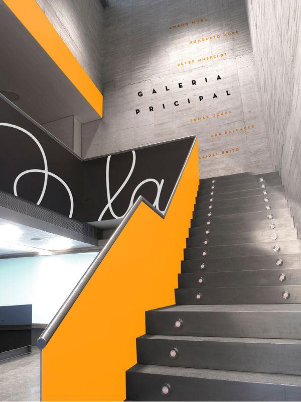Moderne hal waarin met de combinatie van de oranje en zwarte balustrade, waarop een ...