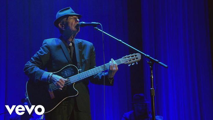 Leonard Cohen - Famous Blue Raincoat - YouTube