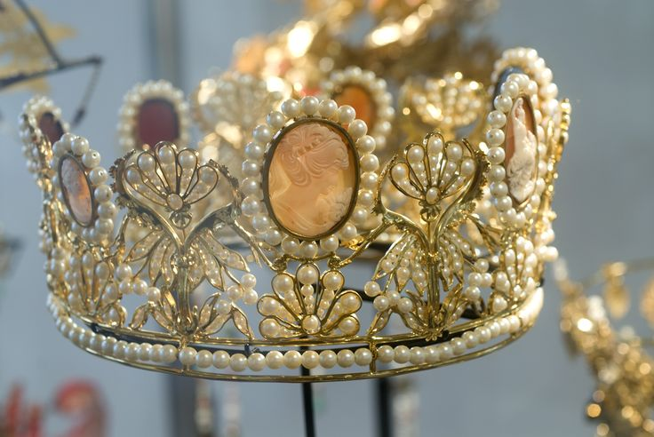 """""""Diamonds are a girls' best friend"""", zong Marilyn Monroe al. Alles over deze prachtige glimmers ontdek je in het Diamant Museum in Amsterdam. Win twee kaarten!  http://www.dagjeweg.nl/prijsvragen/1600382"""