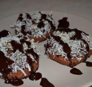 Chocolate Coconut Paleo Doughnuts: Chicken Recipe, Paleo Sweet, Chocolates Paleo, Coconut Paleo, Chocolates Coconut, Fast Paleo, Paleo Doughnut, Paleo Donuts, Paleo Recipe